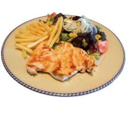 Filete de pollo con patatas y ensalada
